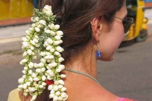 India_hair_decoration_styling_jasmine_flower-aptso exports
